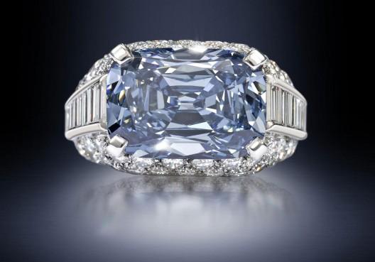 Bonhams Takes World Record of £6.2 Million For Exceptional Blue Diamond