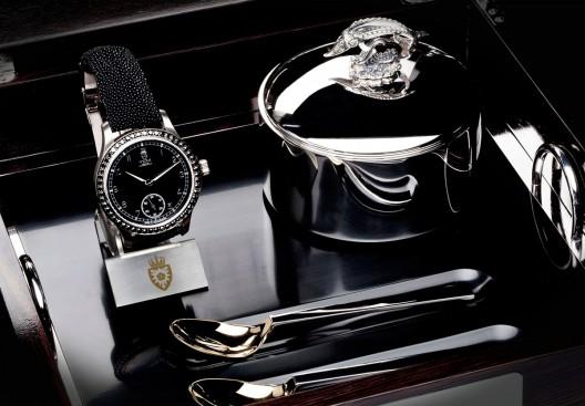 Royal Black Caviar Watch