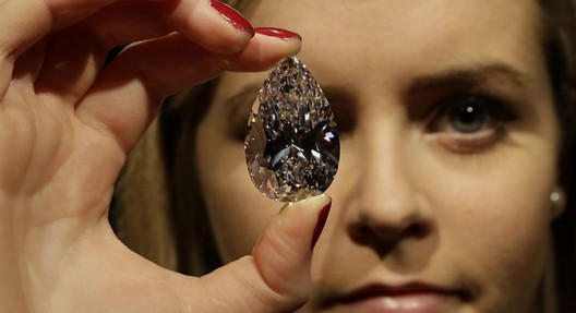 Harry Winston buys the world's largest flawless diamond for $26.7 million