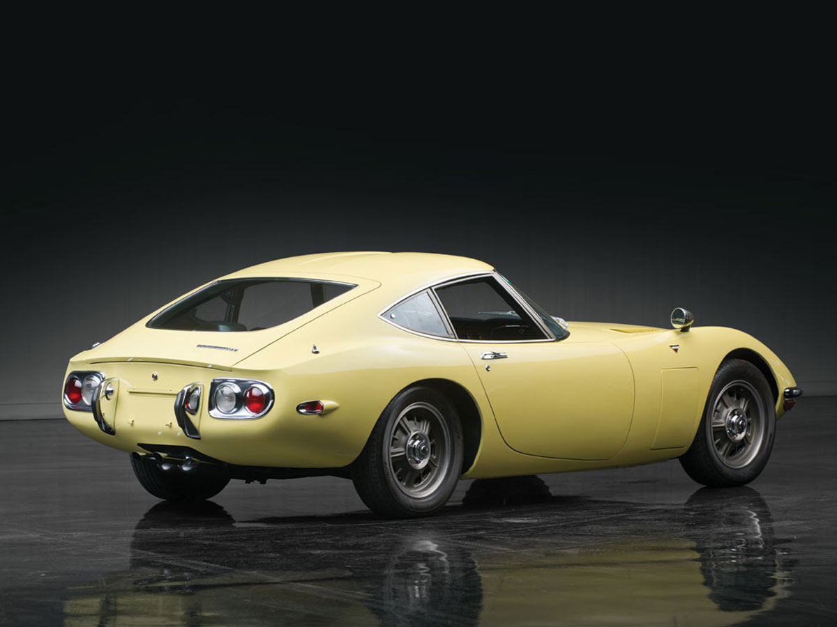 1967 toyota 2000 gt sold for 1 2 milion extravaganzi. Black Bedroom Furniture Sets. Home Design Ideas