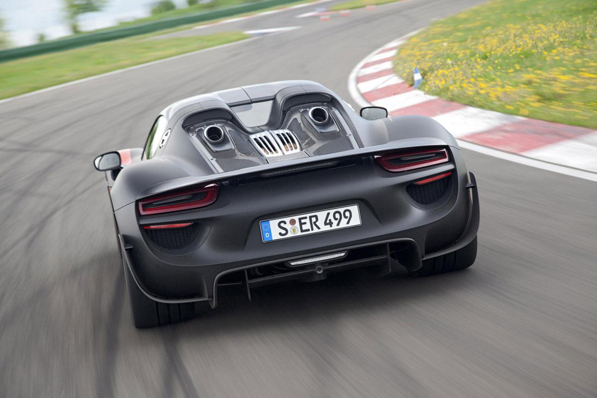2015 Porsche 918 Spyder Hybrid Extravaganzi