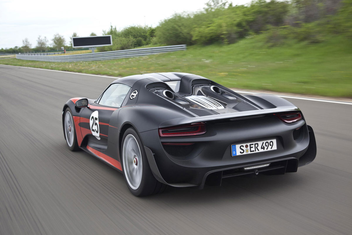 2015 porsche 918 spyder hybrid extravaganzi. Black Bedroom Furniture Sets. Home Design Ideas