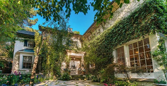Jessica Simpson Beverly Hills Mansion