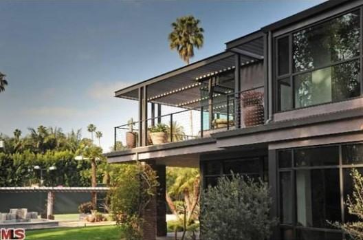 Kirk Douglas' Former Beverly Hills Home
