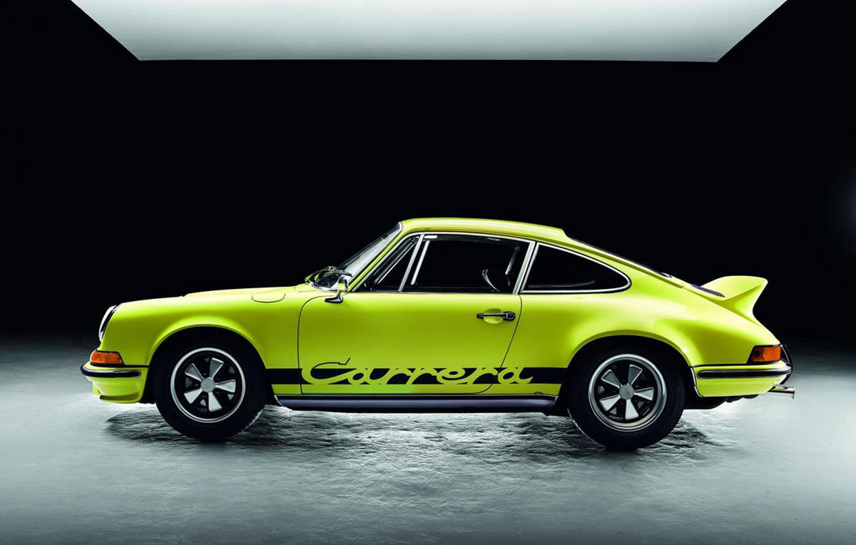 teneues published a book for 50 years of the porsche 911 extravaganzi. Black Bedroom Furniture Sets. Home Design Ideas