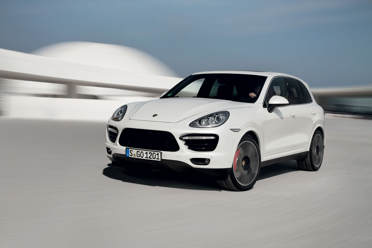new porsche cayenne turbo s 2014 the simply luxurious life style. Black Bedroom Furniture Sets. Home Design Ideas