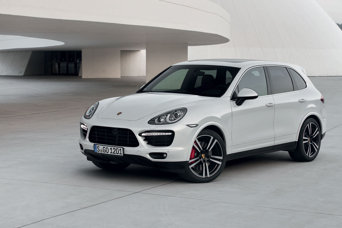 new porsche cayenne turbo s 2014 extravaganzi. Black Bedroom Furniture Sets. Home Design Ideas
