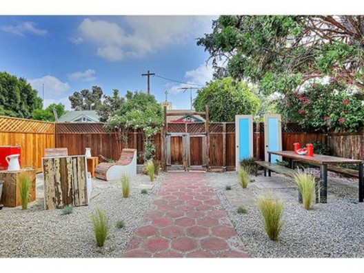 just 480 square feet, recently hit the market in the Los Feliz neighborhood