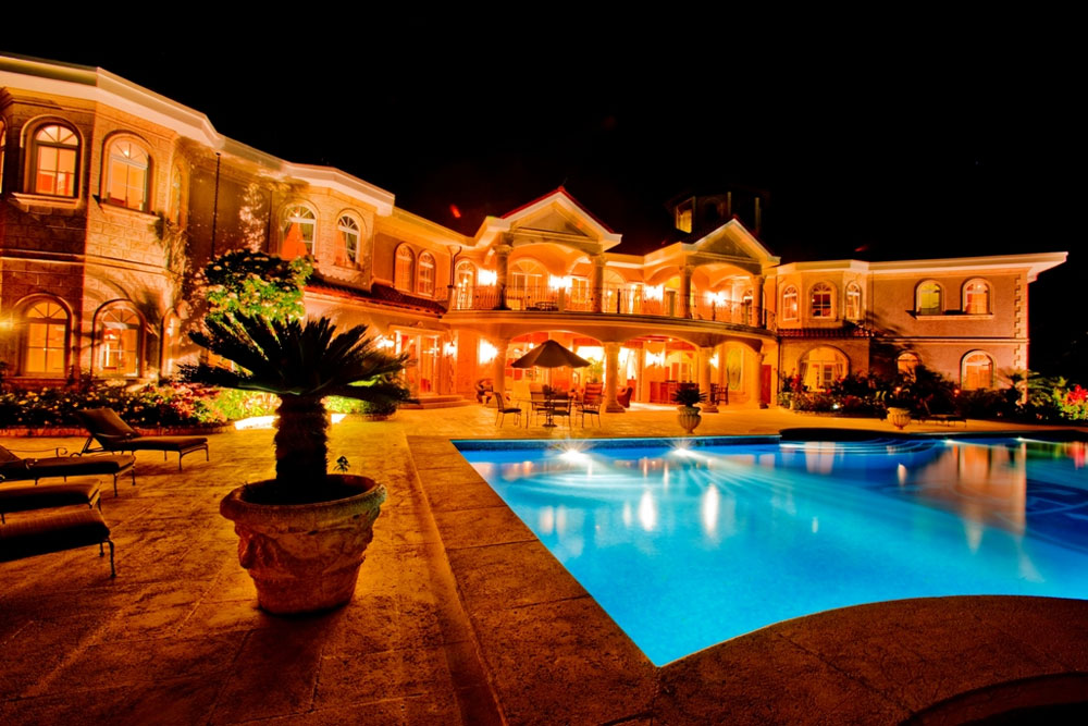 Auction of Luxury Dominican Republic Mansion Changed for  : Lionsgate Mansion 7 from www.extravaganzi.com size 1000 x 667 jpeg 165kB