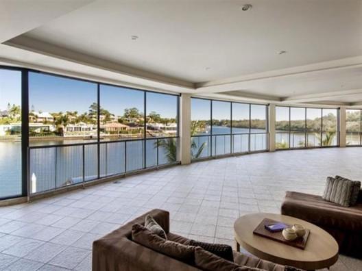 Luxurious Waterfront Family Estate
