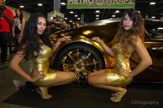 Metro Wrapz Gold Chrome Vinyl Wrapped Bugatti Veyron