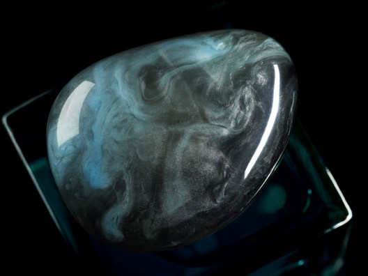 Giorgio Armani's Nuance Eau De Parfum