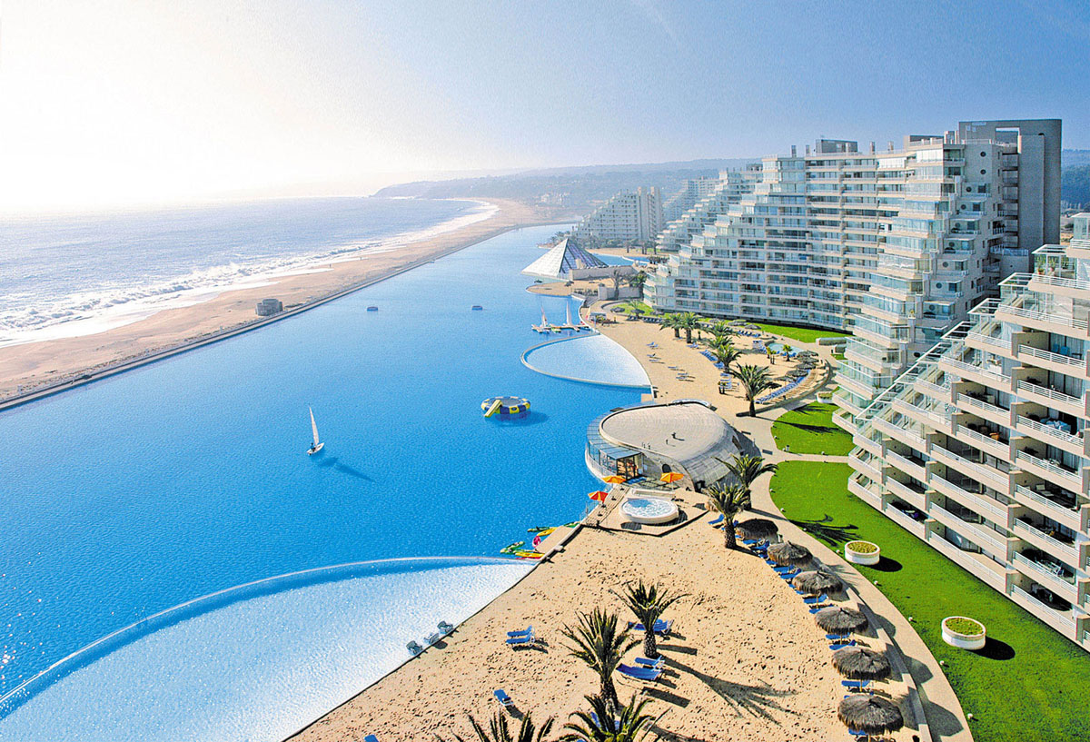 Top 10 craziest swimming pools ever extravaganzi for Top 10 swimming pools
