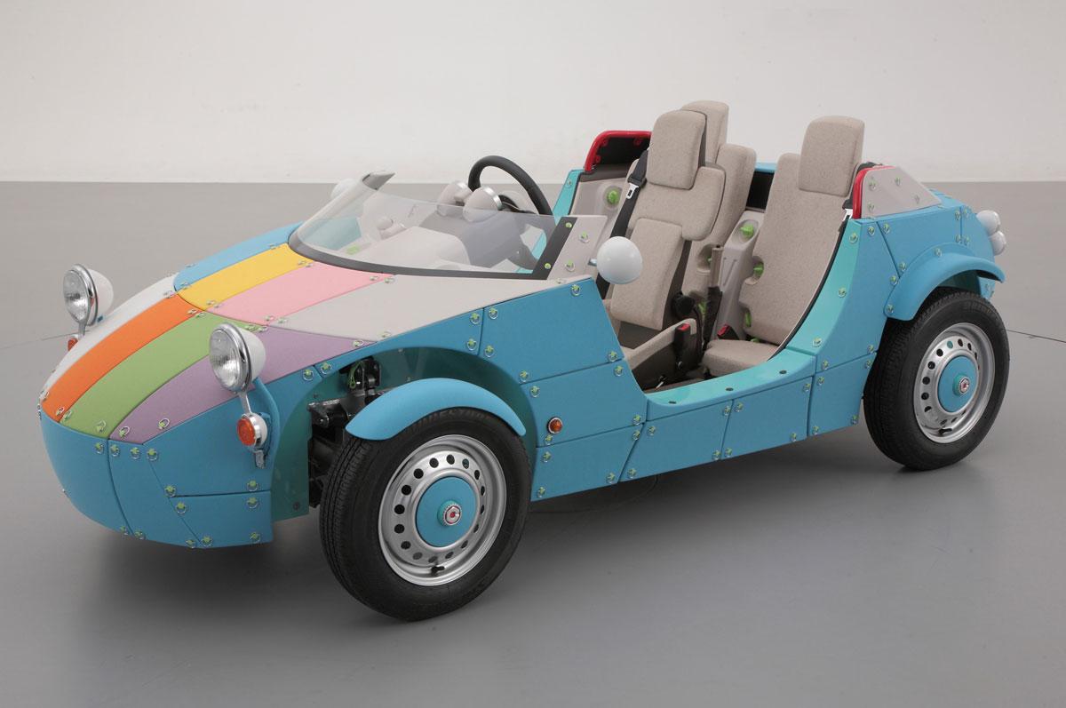 Toyota unveiled camatte 57s folding car extravaganzi for Motorized vehicles for kids