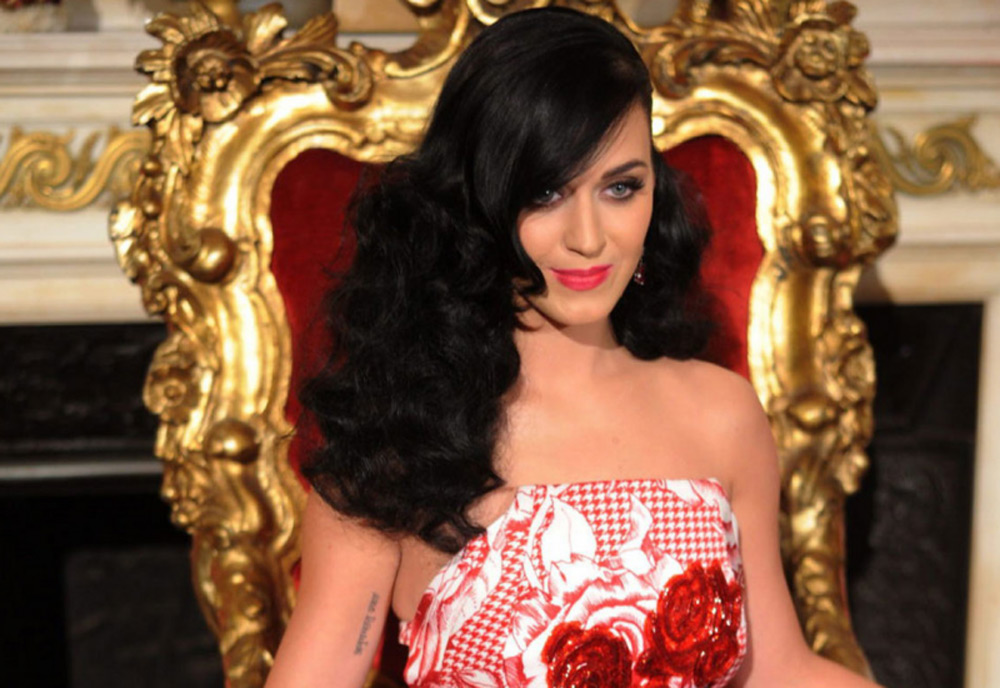 Katy Perry launches Killer Queen perfume