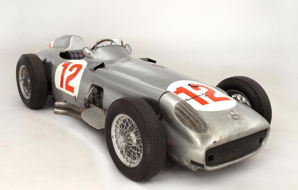 mercedes benz w196 driven by juan manuel fangio sold for 29 6milion extravaganzi. Black Bedroom Furniture Sets. Home Design Ideas