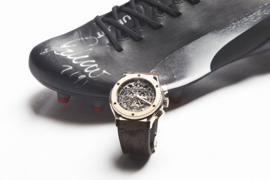 Each limited edition of Hublot Falcao watch will come with a special version of the 1.2 evoSPEED boots.