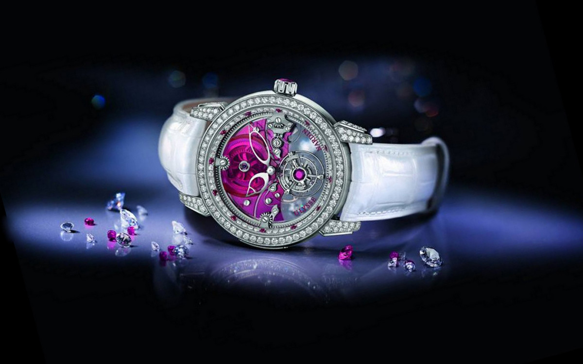 Ulysse Nardin has introduced a new model of female watch of Tourbillon collection