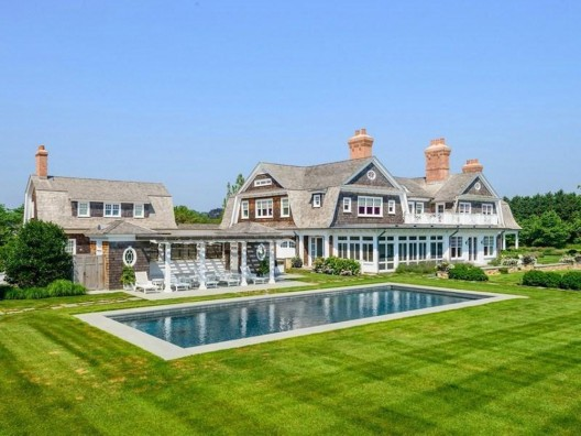 Built in 2010 this Further Lane Farm compound at East Hampton, New York, United States, is on sale for $35,000,000