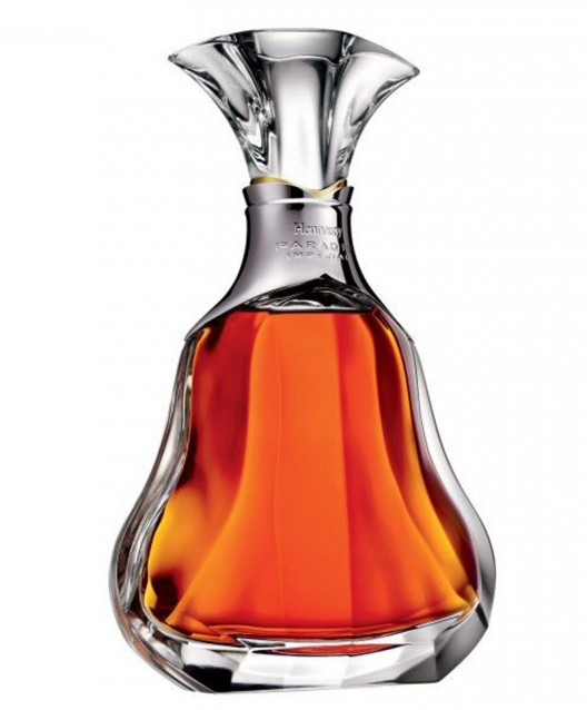 Hennessy Paradis Imperial Cognac raises a toast to its 200 year history in the U.S.