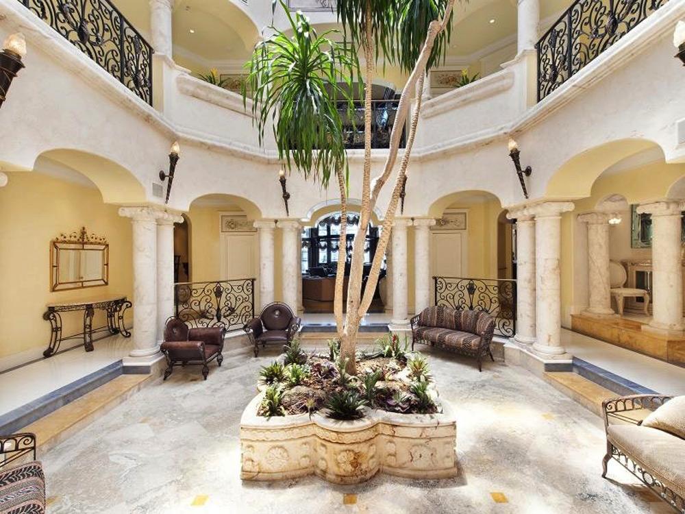 Lavish Italian Palazzo At Florida Extravaganzi