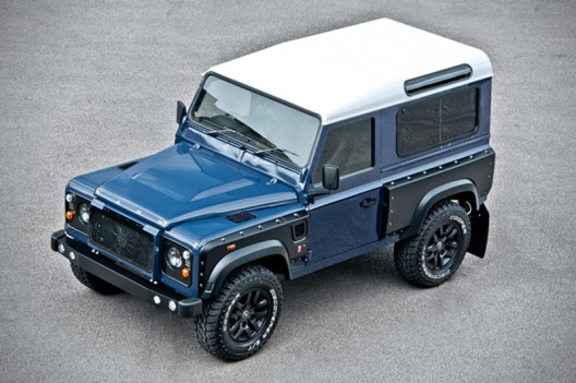 British design house A. Kahn Design has introduced another version of the Land Rover Defender model