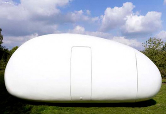 Intriguing Mobile Office With The Shape Of An Egg By dmvA