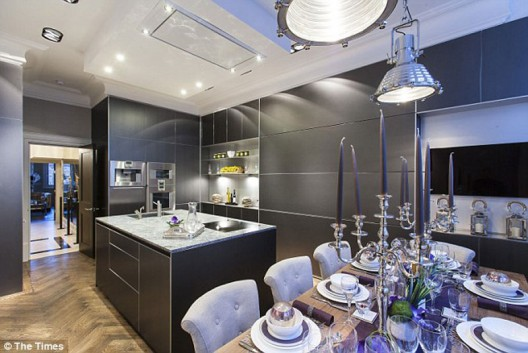 Alexander-McQueen's-Mayfair-Apartment-on-Sale-1