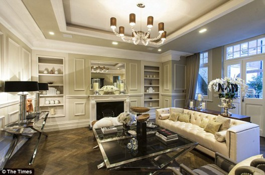 Alexander-McQueen's-Mayfair-Apartment-on-Sale-4