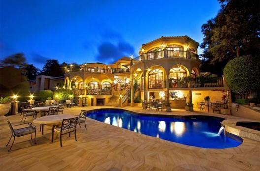 Australia's-Bachelor-Mansion-13