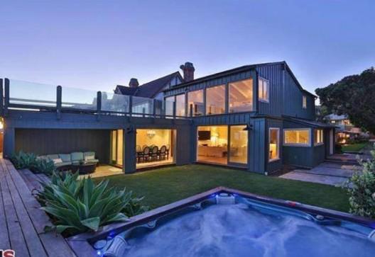 Leonardo DiCaprio's ocean front Malibu home for sale for $18.9 million