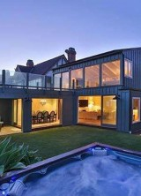 DiCaprio's Malibu Home Back on the Market for $18.9 Million