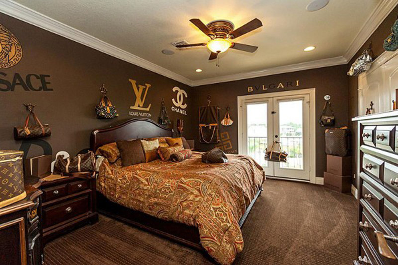 Houston Home With Louis Vuitton Bedroom For Fashion Addicts EXtravaganzi