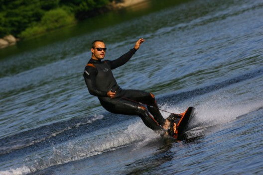 JetSurf-Board---Carbon-Fibre-Board-Powered-by-100cc-Engine-3