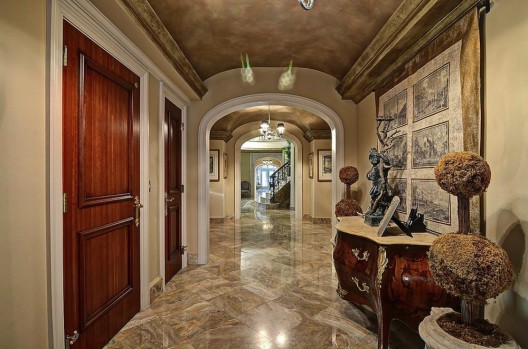 Town of Manalapan Florida has been listed on sale for $32.5 million