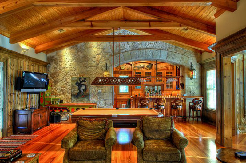 The riven rock ranch 207 acre texas hill country resort for Luxury barn homes