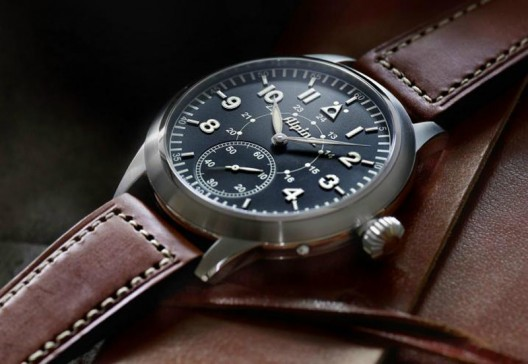 Alpina has recently unveiled a new Alpina Heritage Pilot Limited Edition watch