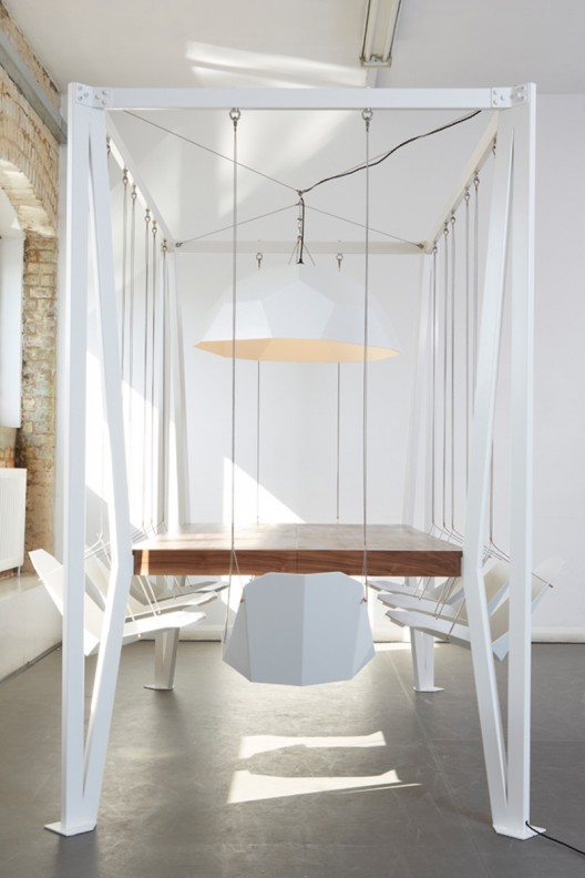Duffy London // SWING TABLE 12 PERSON