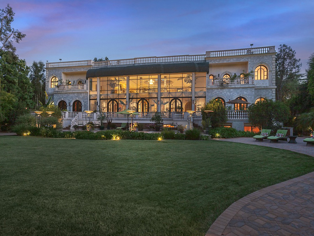 3 levels mediterranean home on holmby hills extravaganzi for Mapleton homes
