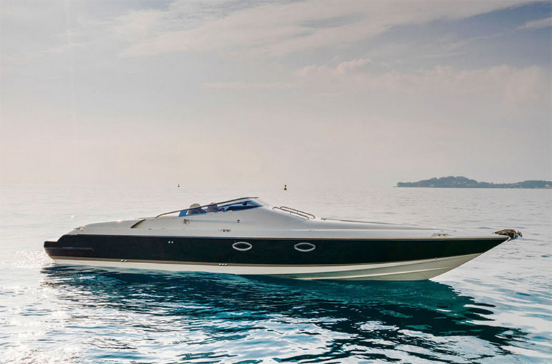 """Aston Martin of the Seas"": British Powerboat Manufacturer Invades the U.S."