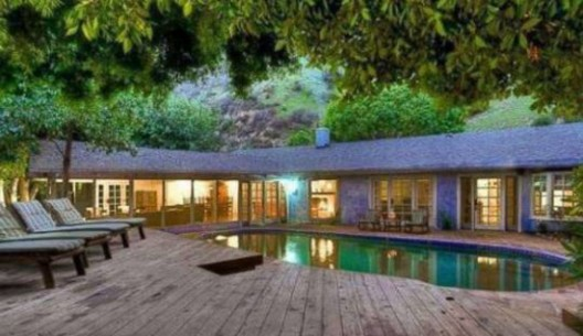 $9500 a Month to Rent out Salma Hayek's Home