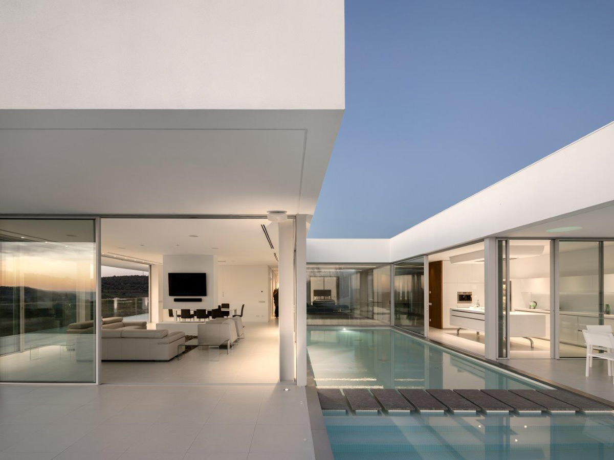 Exceptional villa in algarve on sale for million for Villa ultra moderne