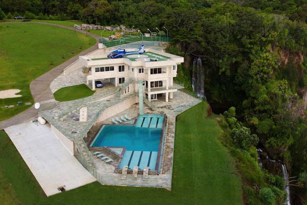 Waterfalling Estate Hawaiian Ultimate Getaway On Sale