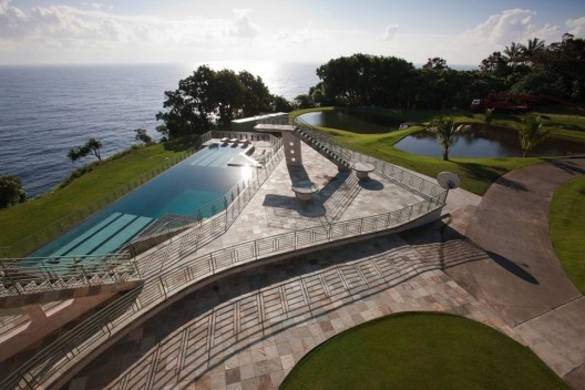 Waterfalling Estate - Hawaiian Ultimate Getaway on Sale for $26,5 Million