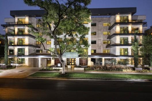 432-Oakhurs---Luxury-Condo-Residence-13