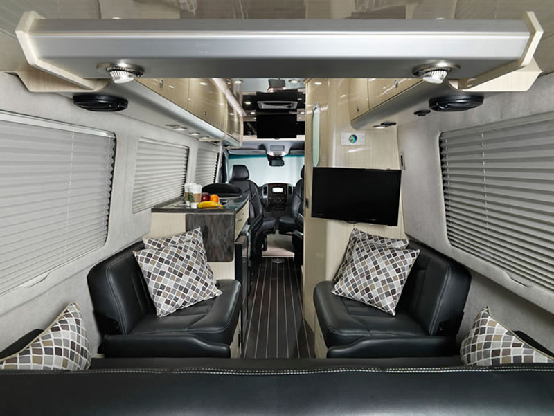 Airstream reveals 2014 mercedes benz sprinter based for Mercedes benz sprinter airstream