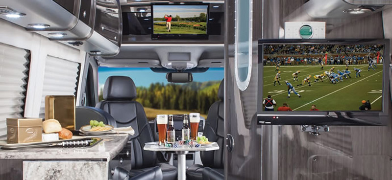 Airstream reveals 2014 mercedes benz sprinter based for Mercedes benz touring coach
