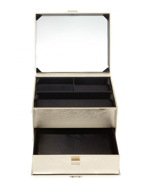 Bobbi-Brown-Limited-Edition-Makeup-Trunk--1