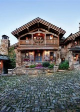 Old-World-Ski-Chalet-15
