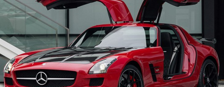 SLS AMG, whose series is limited to only 350 copies
